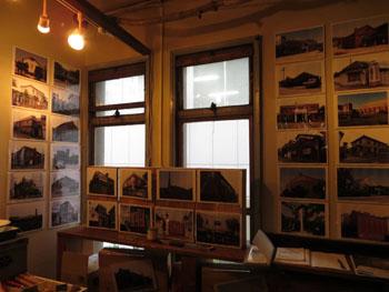 37-3-「まちかどの近代建築写真展」の様子(2014年3月)