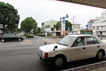 写真③水俣駅前