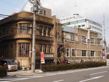 37-2-天満屋ビルと三井築港ビル(2013年3月撮影)