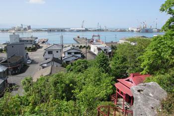 写真③ 白島頂上からの八代港(内港)の眺め