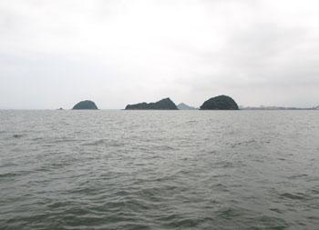 写真①三ッ島