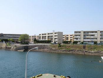 46-2-池島の港部分に遺る社宅群-s